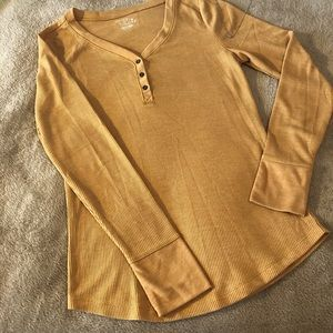 Mustard yellow thermal long-sleeve